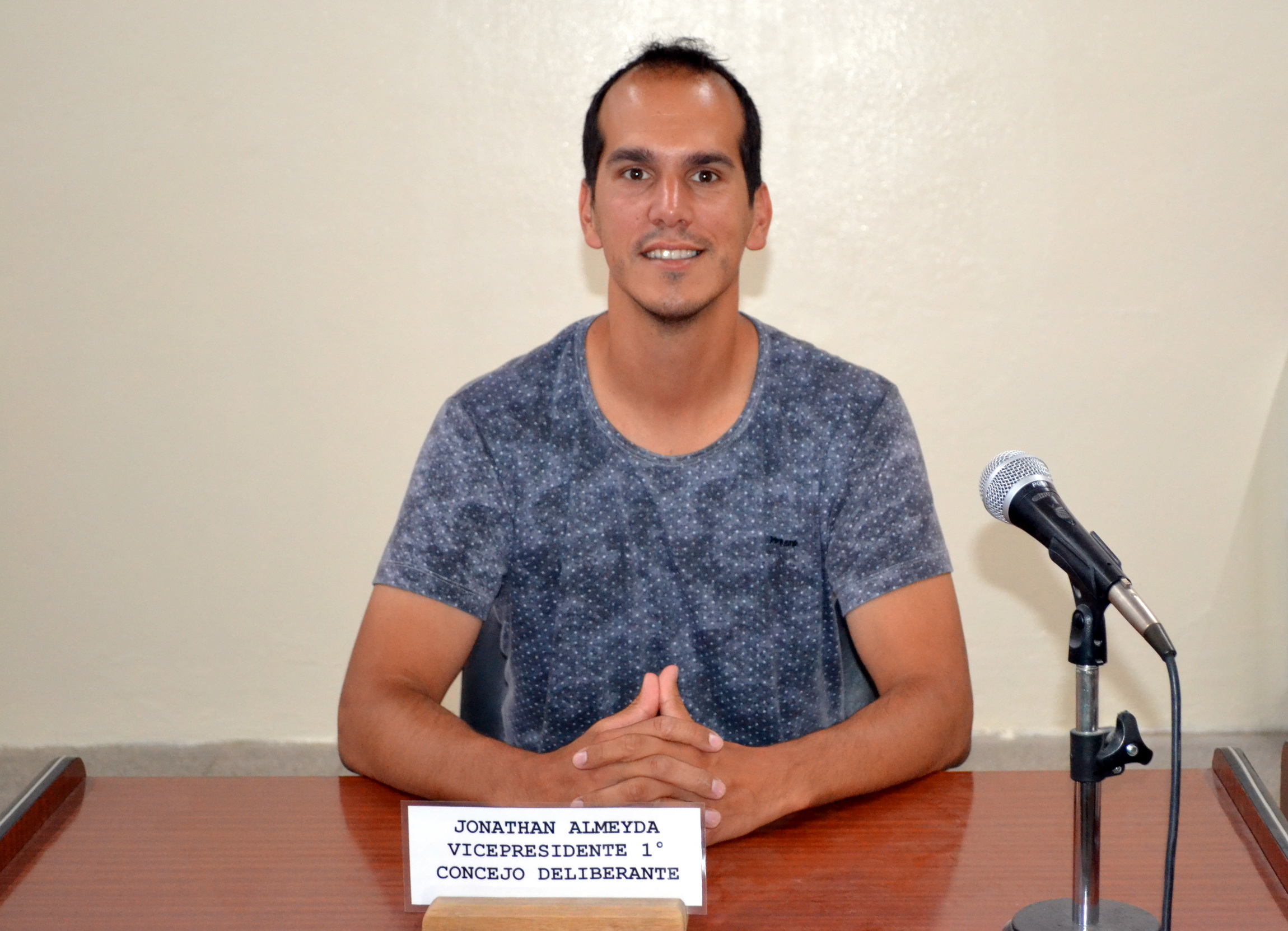 Jonathan Almeyda